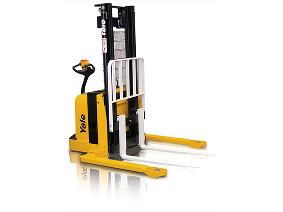 Yale Walkie Straddle Stacker